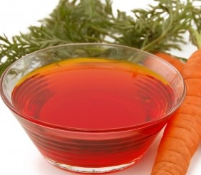 Pure-and-Natural-Carrot-Essential-Oil-with5